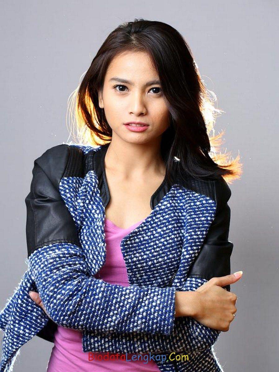 Acha Septriasa Phone Wallpapers Indonesia Dan Asia Korea Celebrities Girls