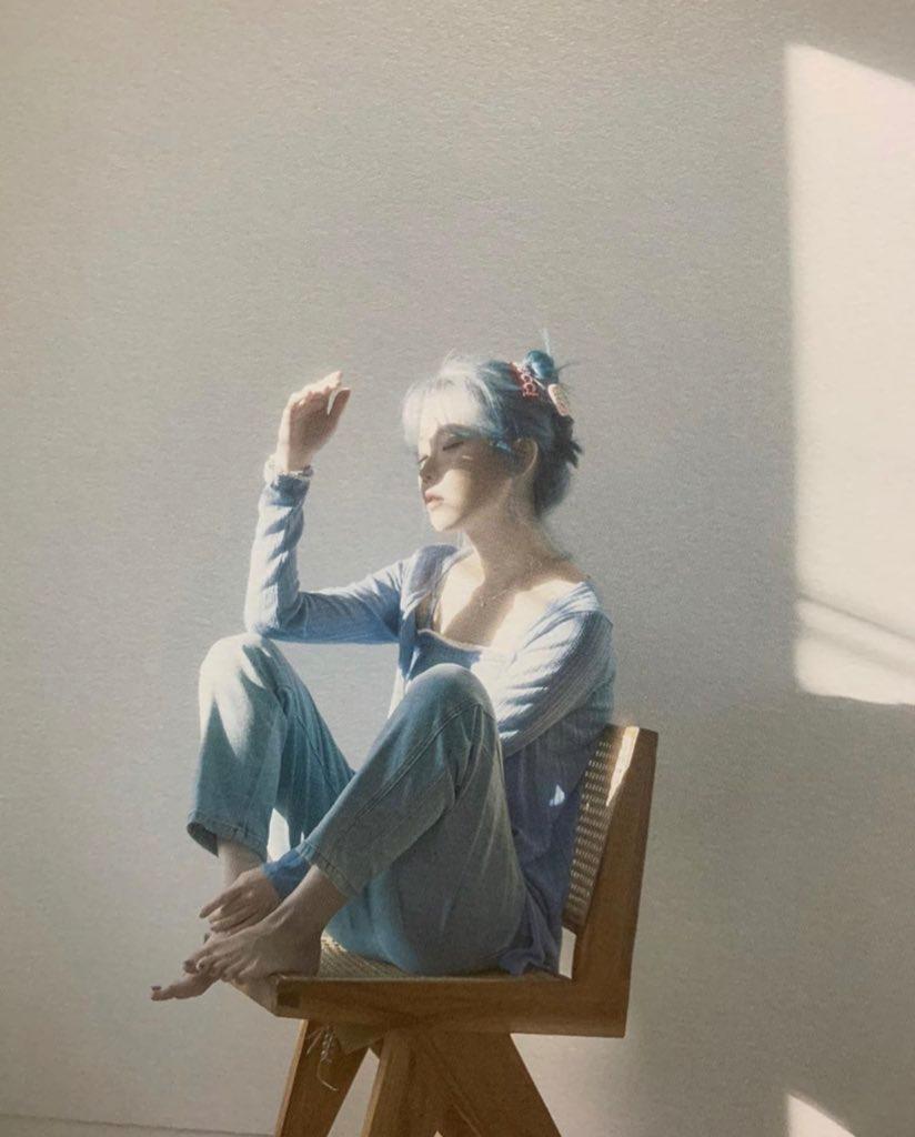 Fan Account On Twitter Korean Photoshoot People Poses Ulzzang Girl