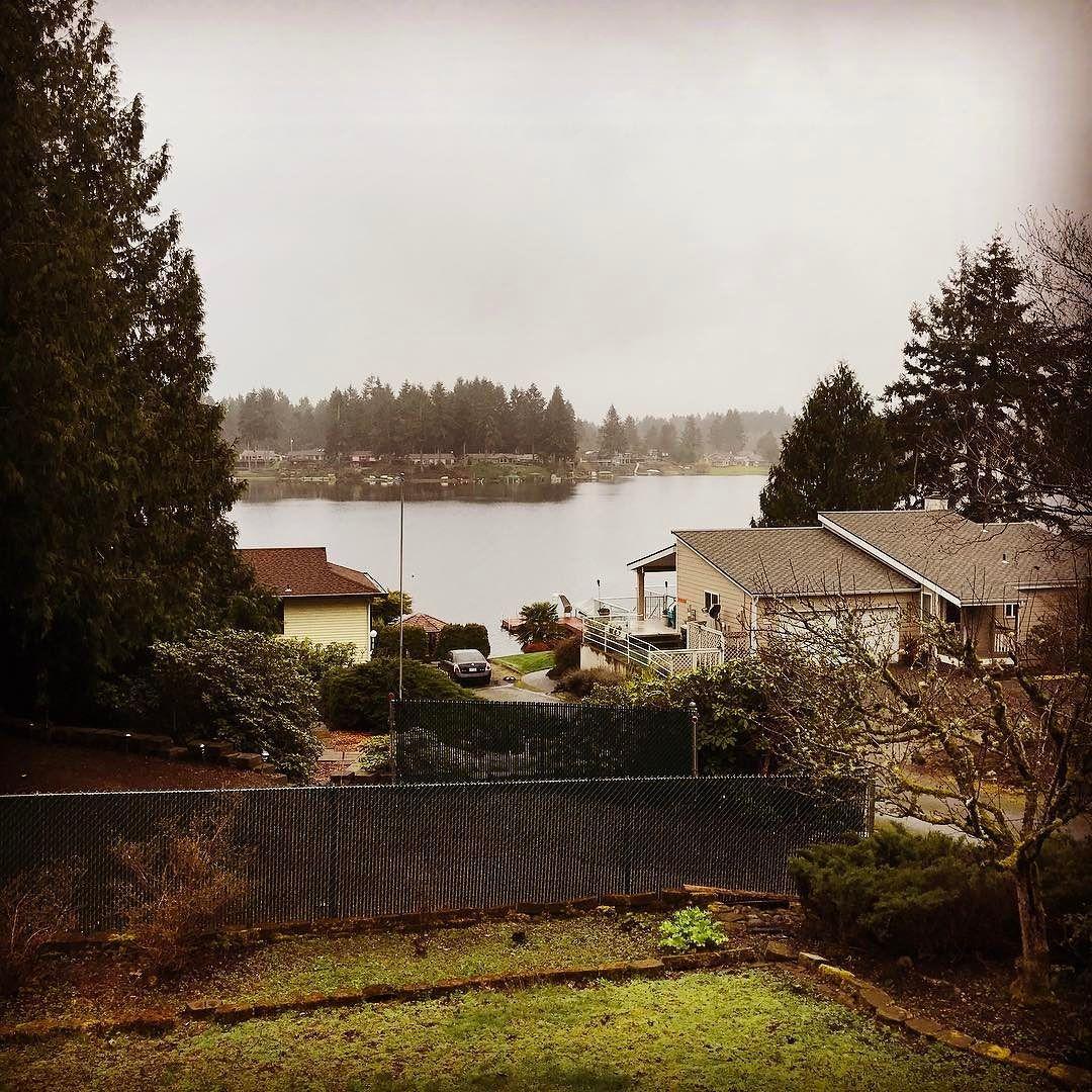 What a view of Long Lake! #realtorlife #homebuyers #realtor #realestateagent #homepreview #bobbybrownandassociates #kellerwilliams #thecaffeinatedrealestateagent #youhavetoseethis #homepreview #thurstoncountyrealestate #twostory #spring #olympia #pnw