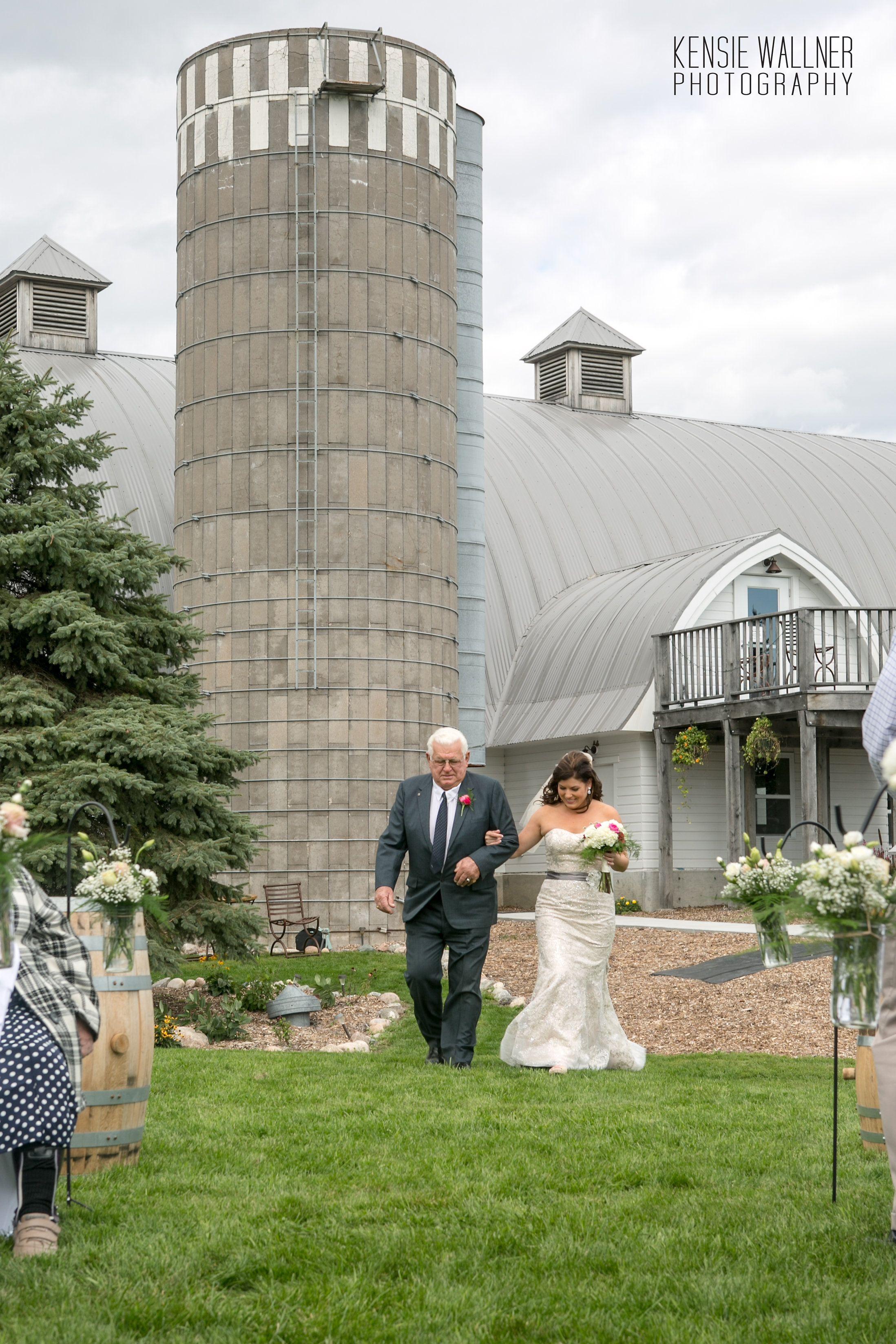 Kari u0026 Blakeu0027s wedding at The Barn
