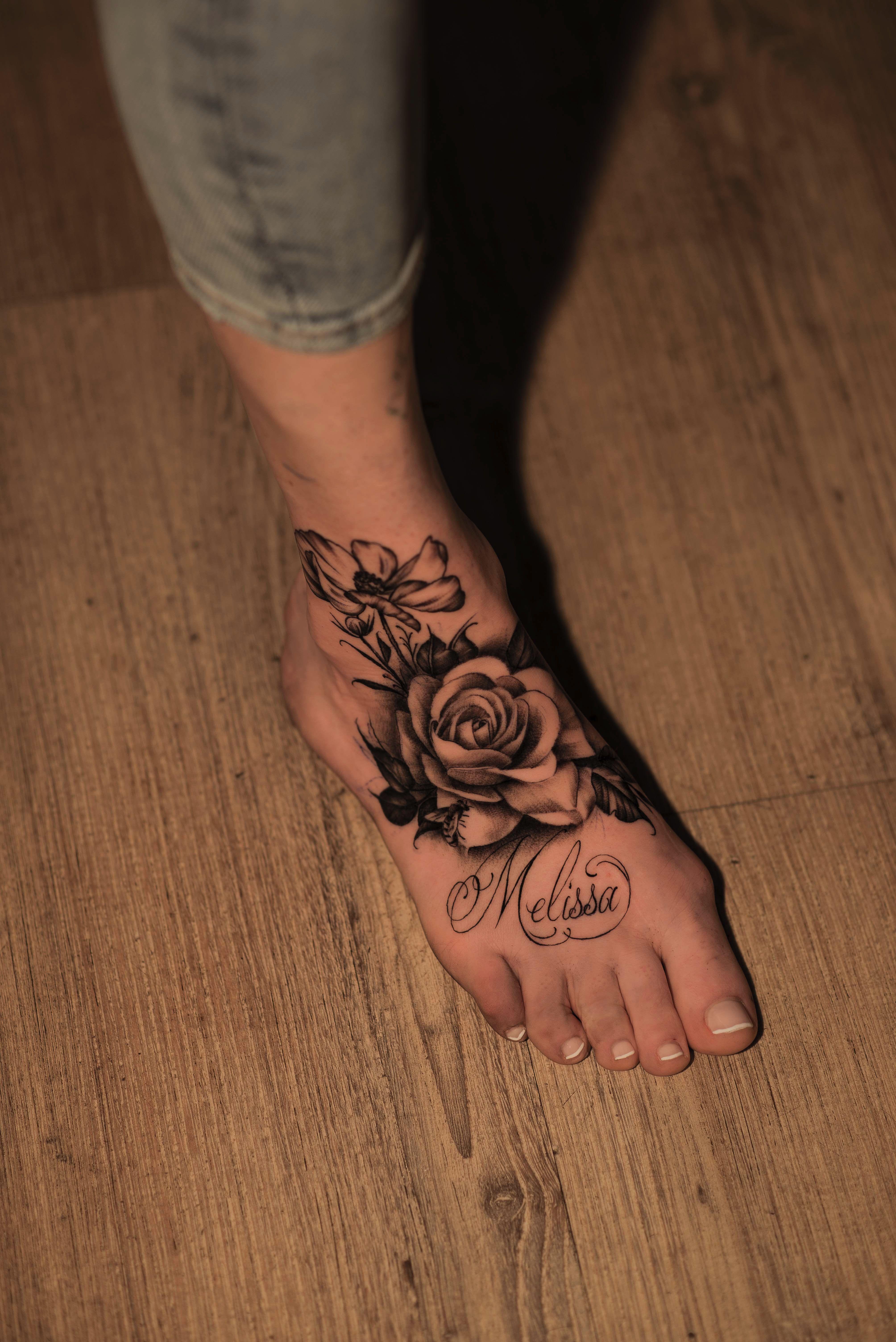 Foottattoo tattoo foot women flowertattoo flower roses