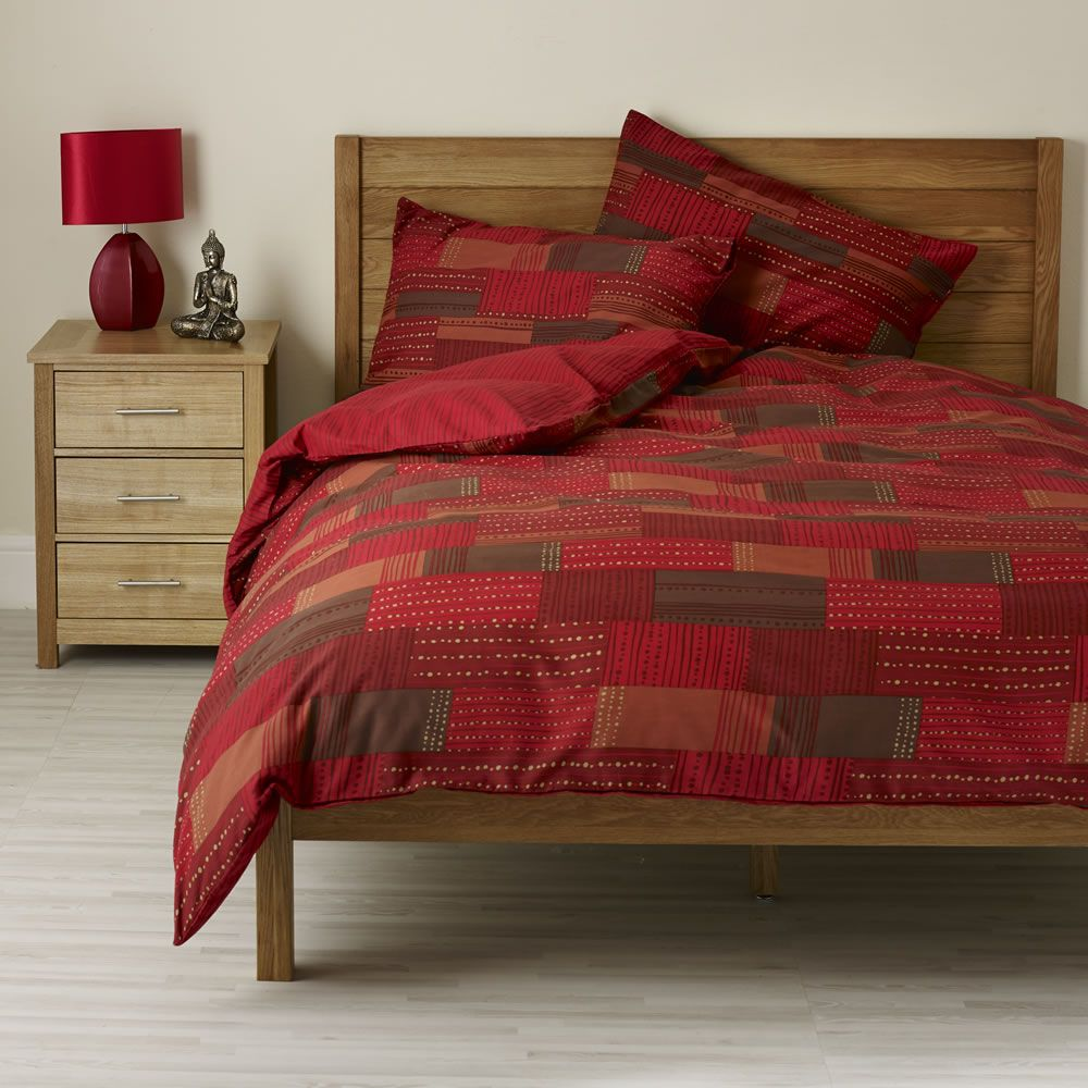 Wilko Patchwork Duvet Set Red Double at wilkocom  AW14