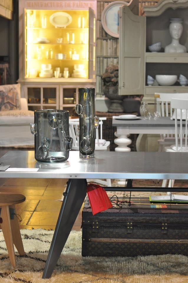 tavolo prouve vasi avec by arcade baule louis vuitton interior designer monica damonte www.monicadamonte.com Odulia alassio