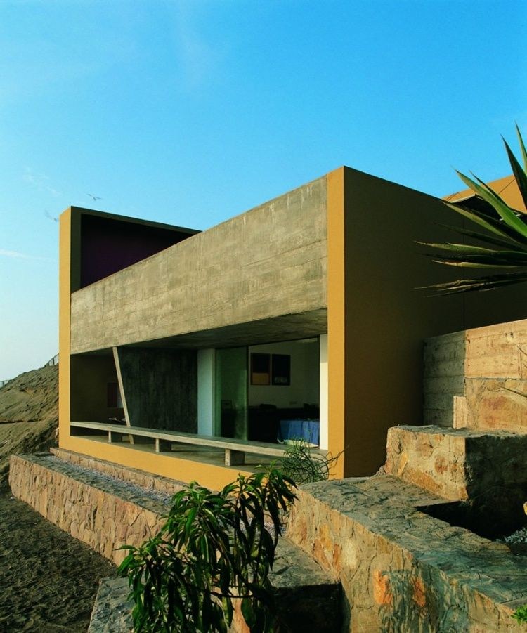 Casa Equis – Mansion With Unique Rooftop Pool In Peru