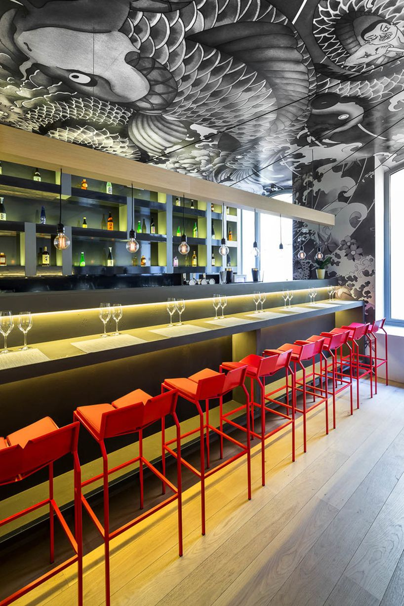 Vincent Coste Inks Japanese Restaurant With Yakuza Tattoo Motifs Japanese Restaurant Design Japanese Restaurant Interior Bar Design Restaurant