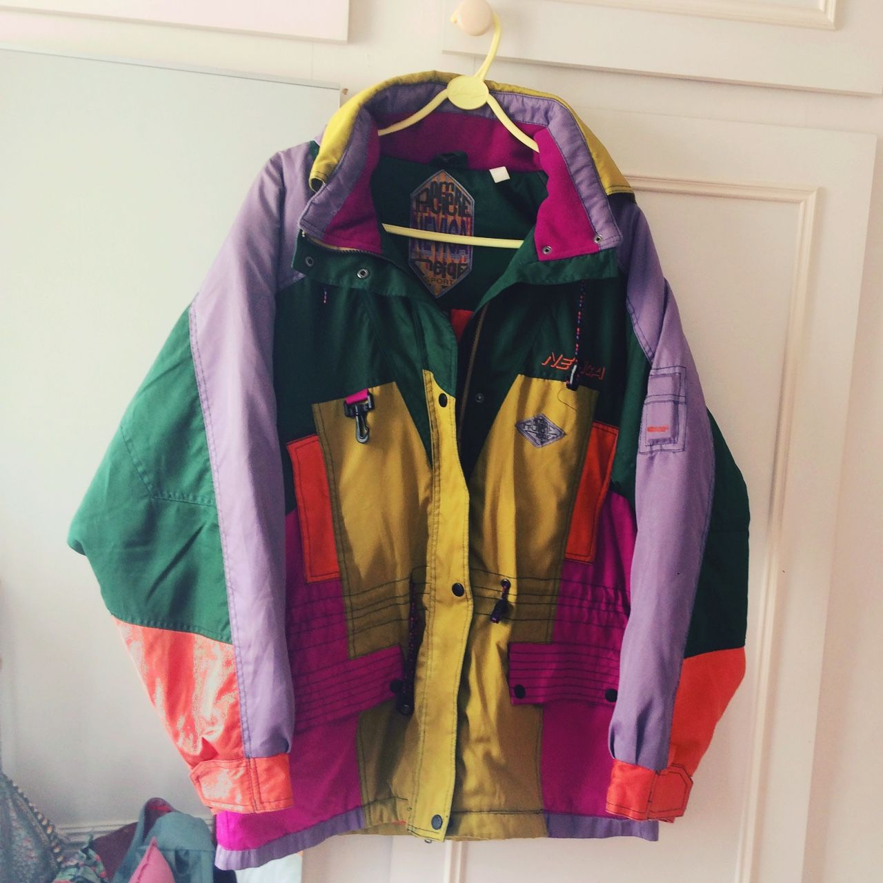 Colourful Vintage Retro Jacket Such A Fab Unique Piece Really Well Made And Warm Size L Colourful Vint Retro Jacket Vintage Clothing Men Retro Outfits