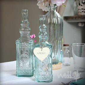 Diverse Blumenvasen in verschiedenen Designs kannst du hier meiten. Gute Idee!! Blumenvasen & Vasen für Hochzeit mieten | #hochzeit WEDDstyle