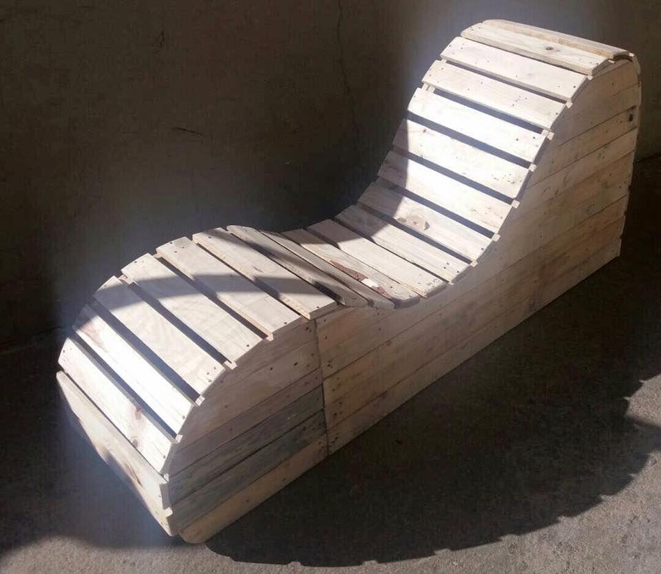 Genial Tantra Chair