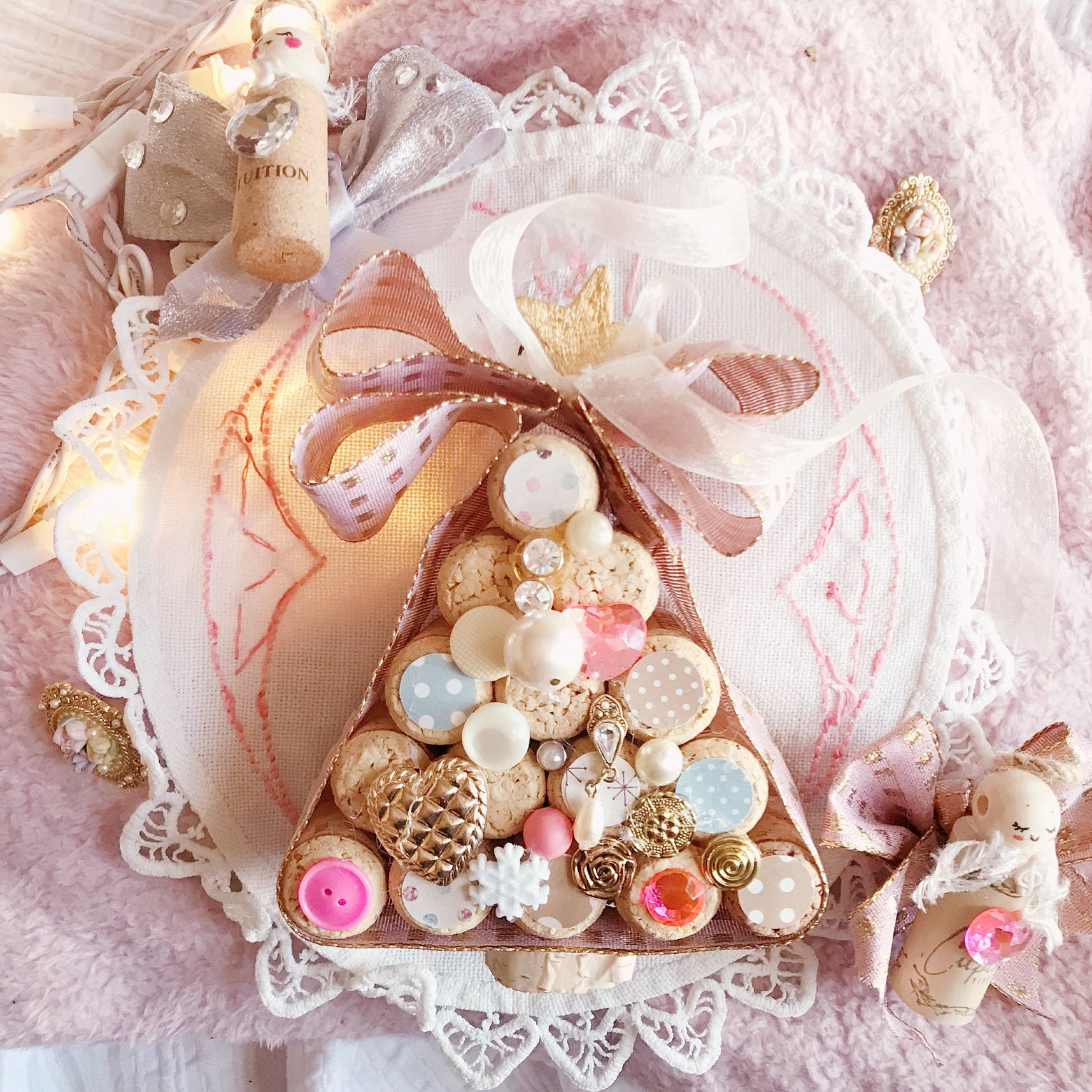 DIY Pink Wonderland Christmas Tree Materials needed 15 wine corks