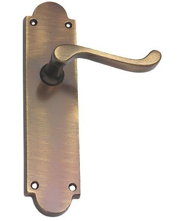 prima scroll antique brass door handles xl186 sold in pairs