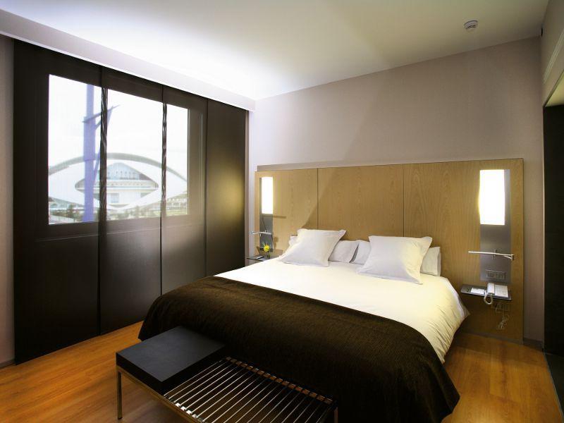 Habitaci n hotel los kits de ba o son el objeto m s for Hotel diseno valencia