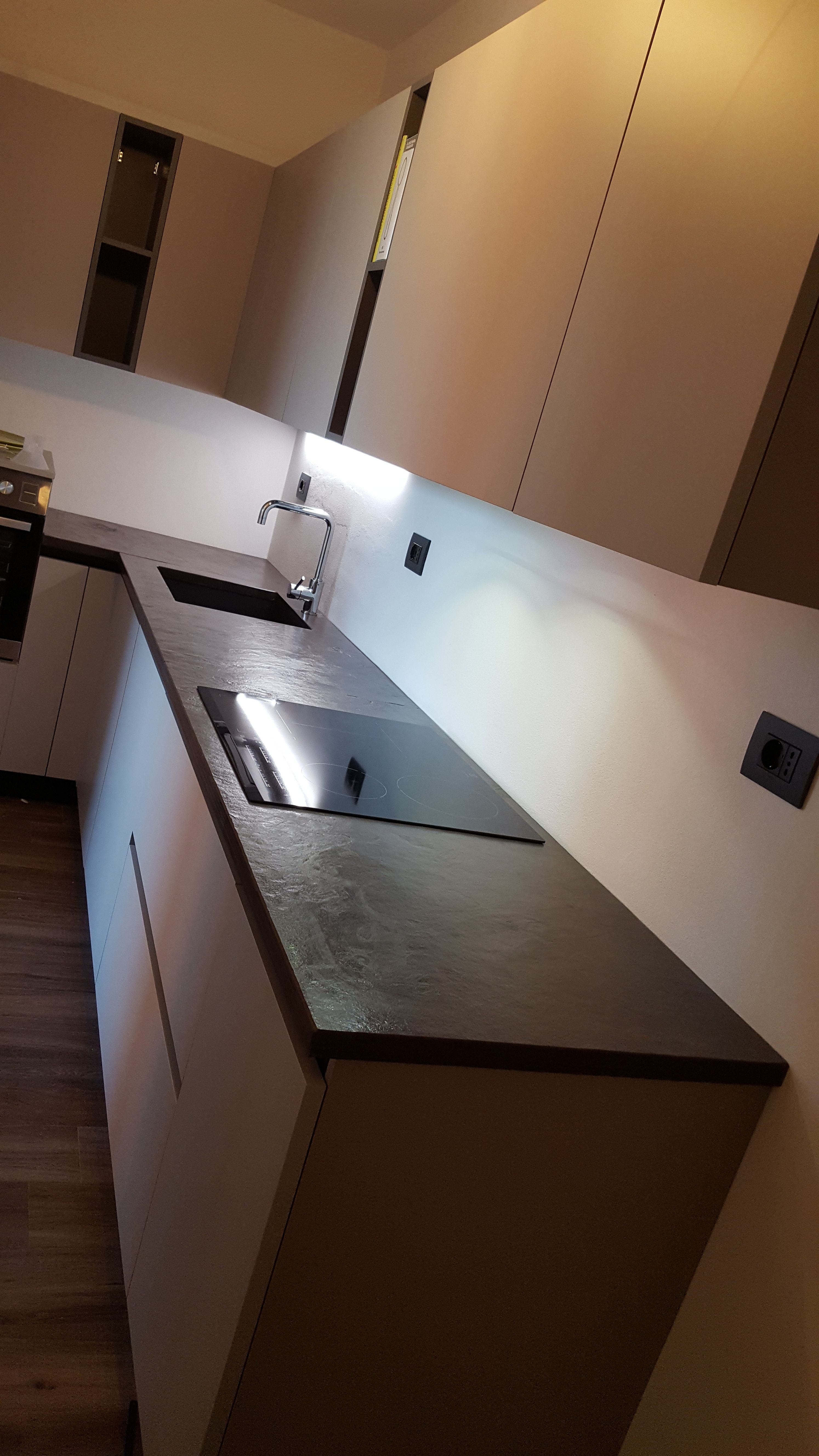 Top cucina in ardesia bordò piano naturale con lavello sottopiano ...