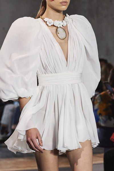 Giambattista Valli Spring 2020 Ready-to-Wear Collection - Vogue