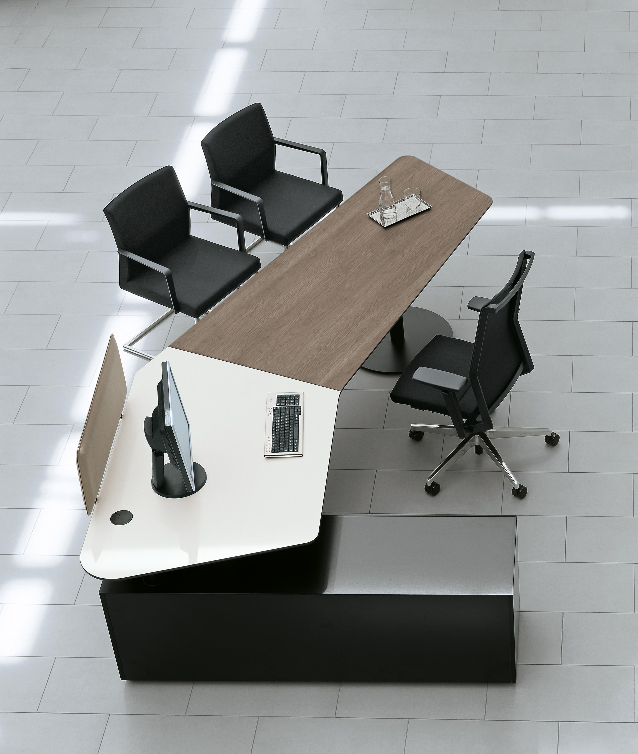 Executive desks Desks Workstations Jobs Poltrona Frau Check it out on Architonic fice Work Space Pinterest
