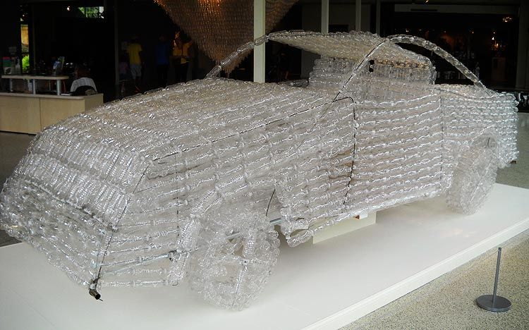A life size car made out of empty plastic water bottles by for Things to make out of plastic bottles