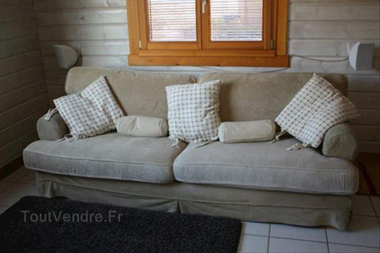 Ikea Ekeskog Fauteuil.Canape Ikea Ekeskog Canape Pouf Fauteuil Ikea L Epinay Le