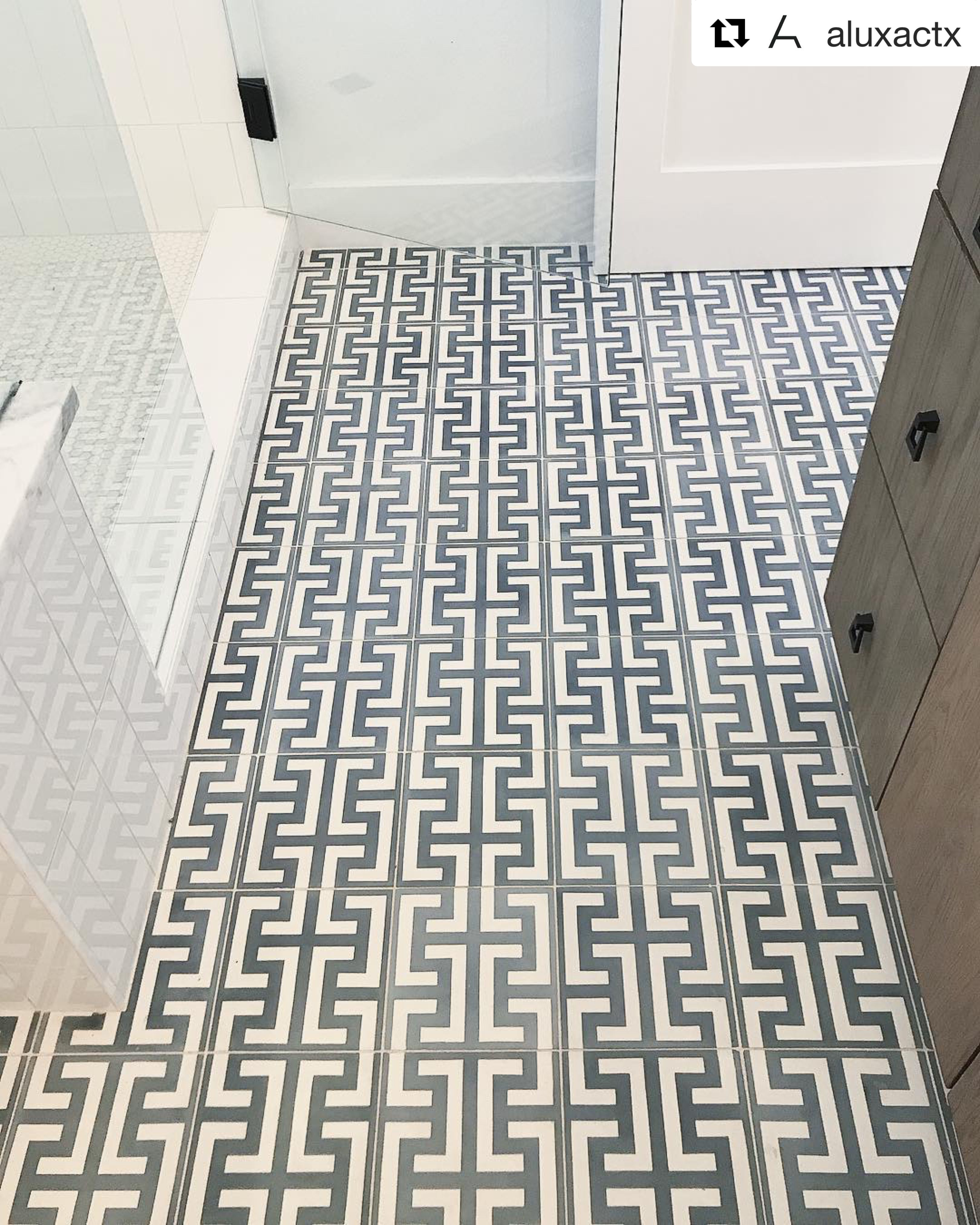 Our Zeus 2013 pattern cement tile installed in this awesome bathroom renovation 🔨 Builder aluxactx Design melisaclementdesigns Architectural