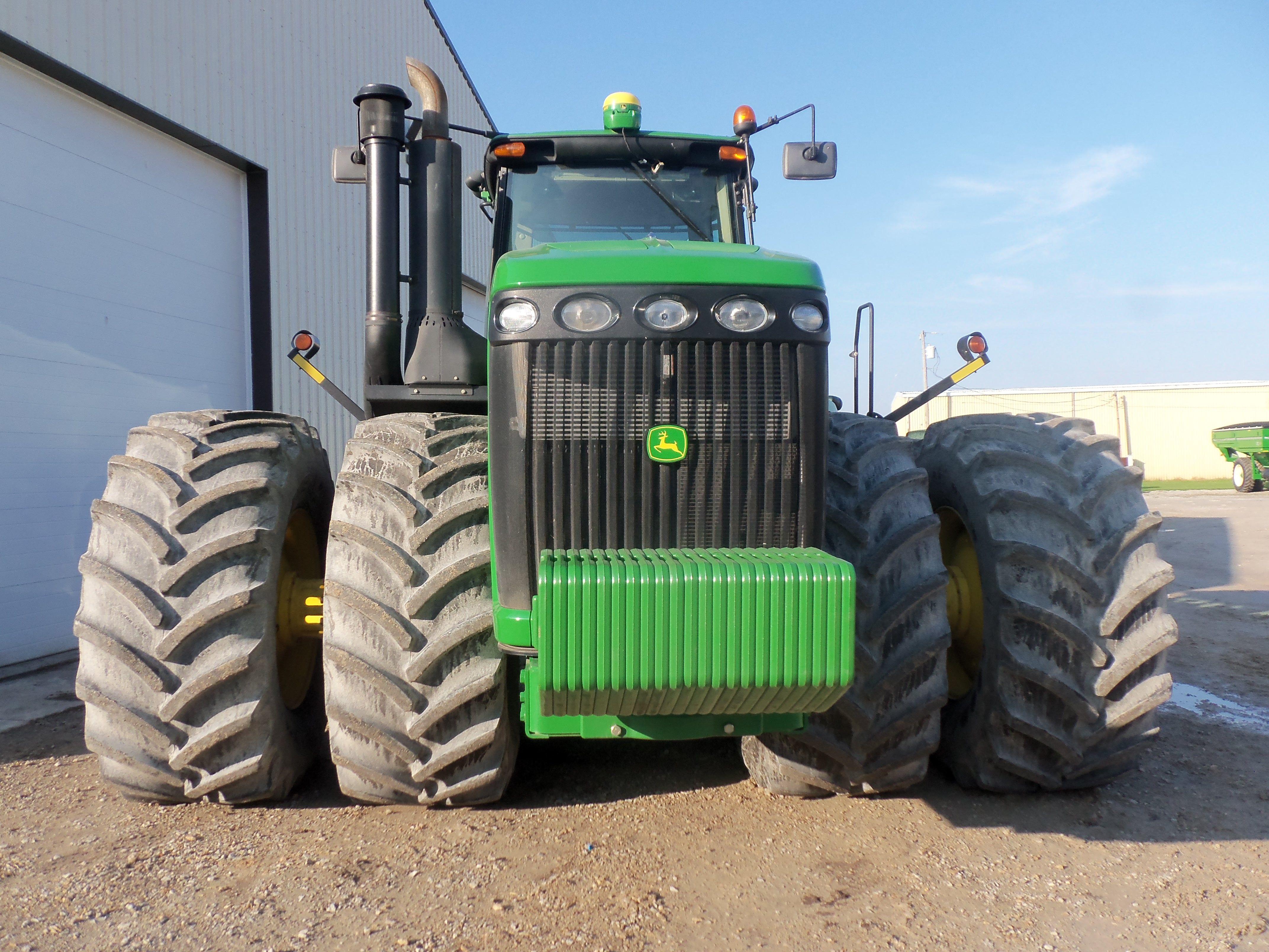 John Deere Tractor Counterweights : Front of hp john deere wheel drive tractor there
