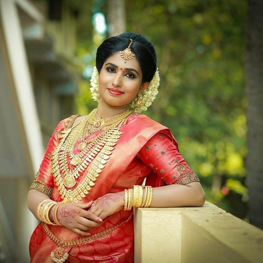 Wedding Hairstyle Kerala: Pin By Manojmanoharan On Kerala Bride