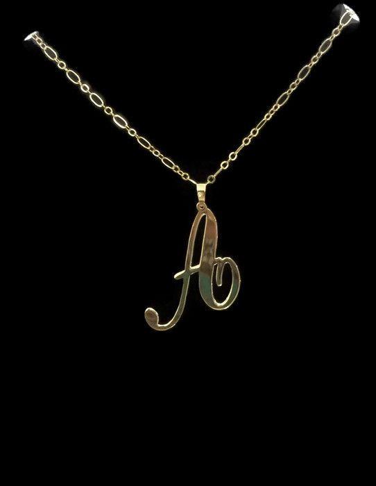 6306a12bd740 Dije de letra con cadena en chapa de oro