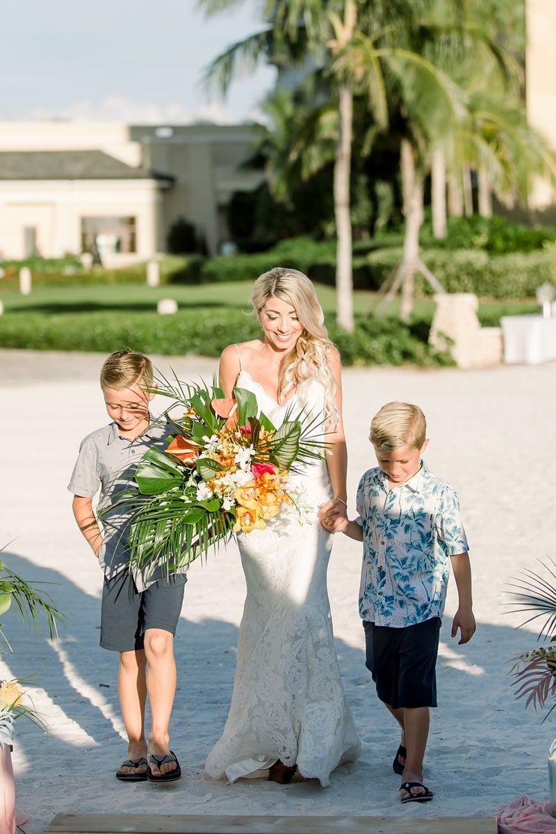 10 Year Destination Vow Renewal with Gorgeous Tropical Details