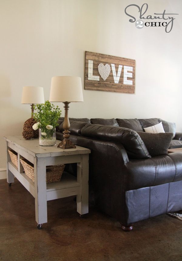 Check out my $80 Pottery Barn Inspired Console Table