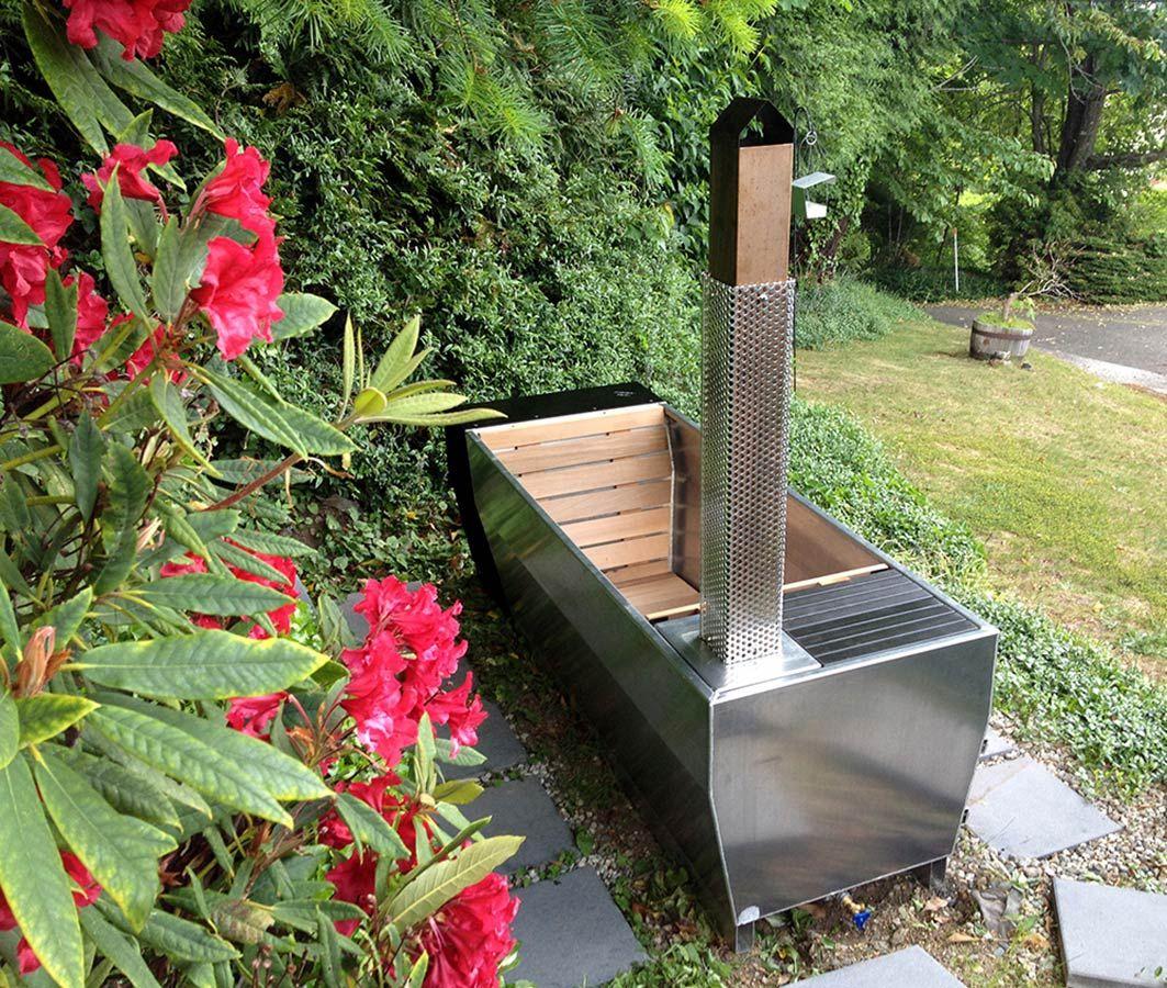 Soak Eine Beheizte Aussenbadewanne Mit Stil Heldth Badewanne Garten Zimmerpflanzen Ideen Gartenbadewanne