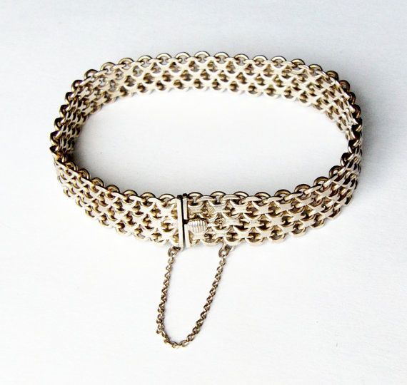 Vintage Sterling Silver Chainmail Flat Chain Bracelet Safety And Push Clasp Unusual Design Quality Piece Of Jewellery 7 3 Inches Long