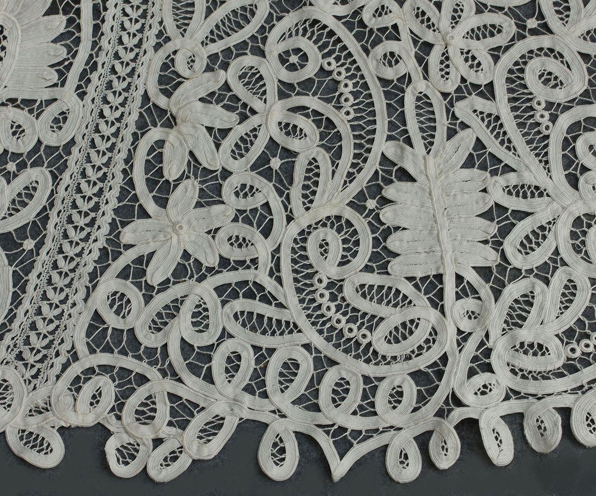 2825 Battenberg lace dress at VintageTextile.com   Oh wow!   Pinterest