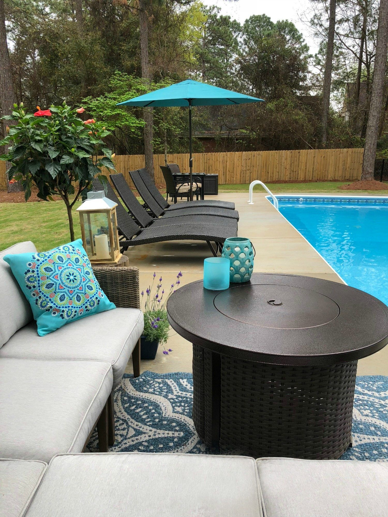 Fire Pit And Seating Poolside Ideas That Are Affordable Pool Patio Furniture Poolside Decor Pool Decor