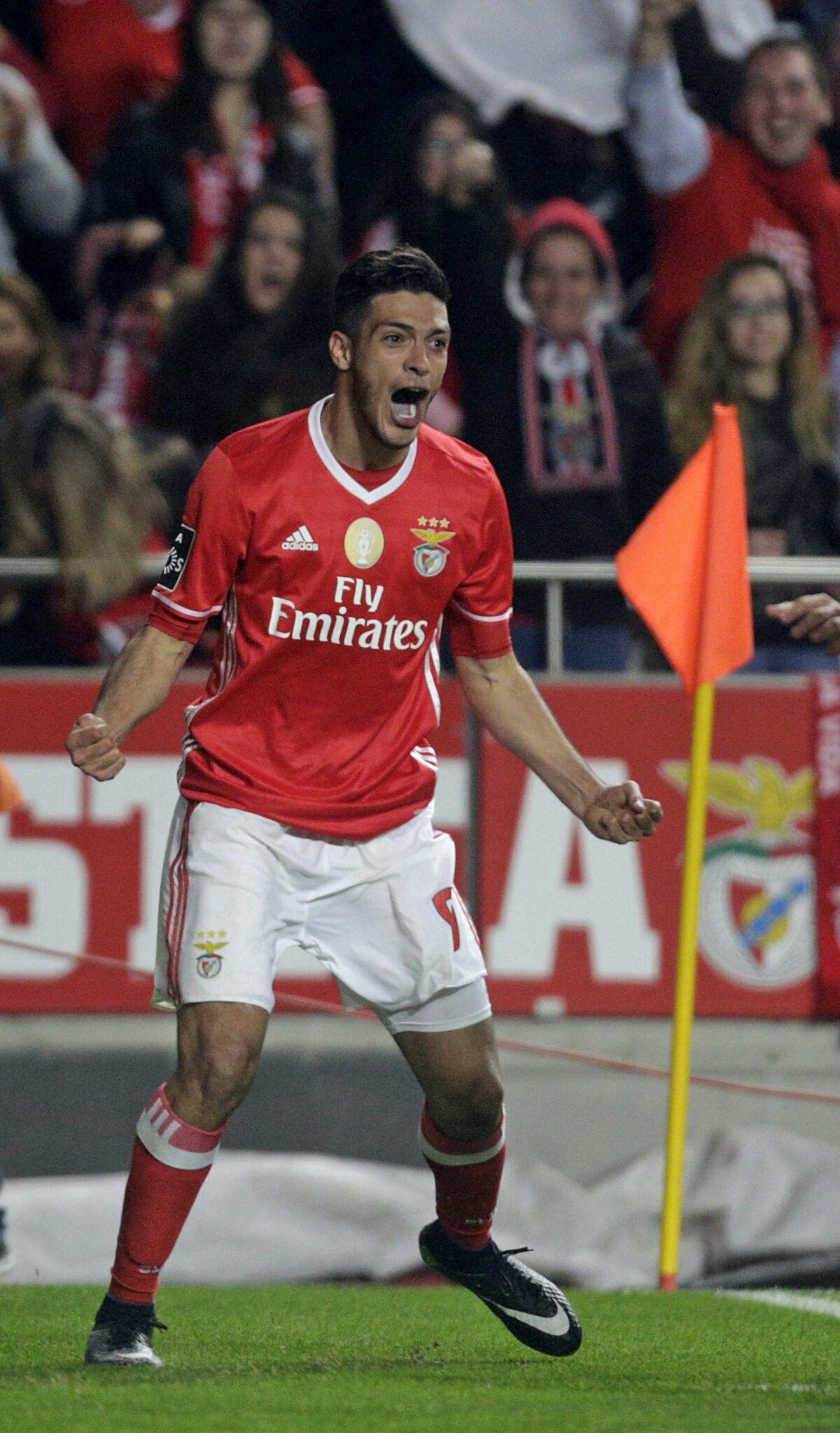 Benfica 16, Raul Jiménez 9 Sport lisboa e benfica