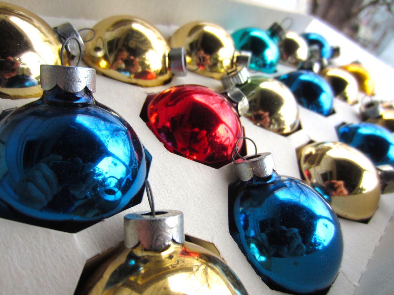 Pyramid christmas ornament - Vintage Shiny Brite Pyramid Glass Christmas Ornaments In Original Box Glass Tree Trim Gold Blue Red