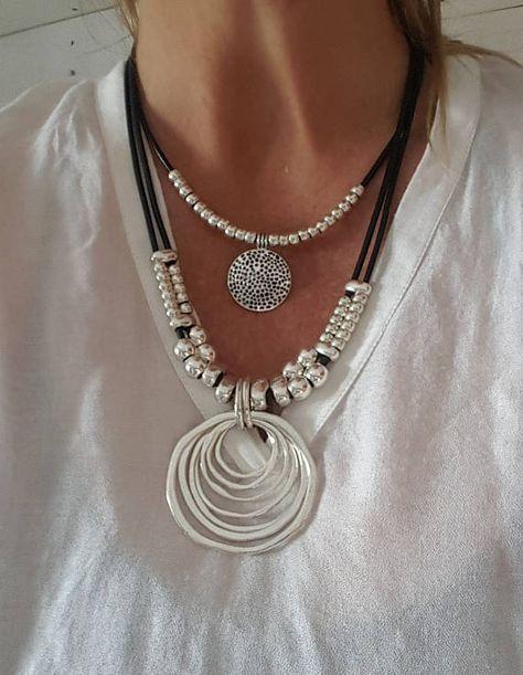 doble, con cuentas, collar de cuero de mujer, collar de monedas, anillo sin fin, colgante espiral, círculo, eternidad, idea de regalo hecha a mano, myDemimore