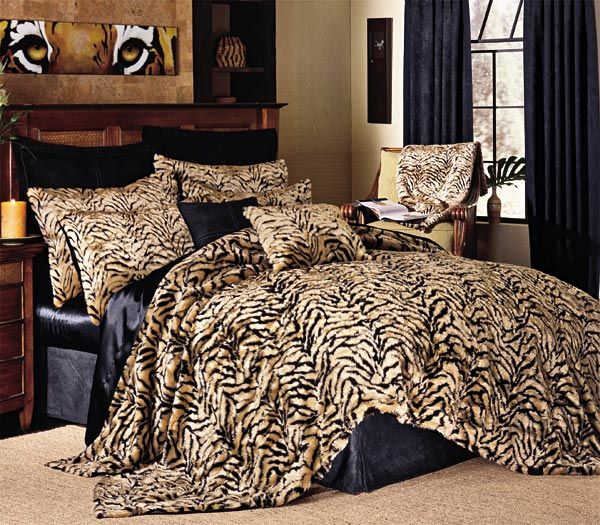 Tiger Faux Fur Coverlets Queen Size Comforter Sets