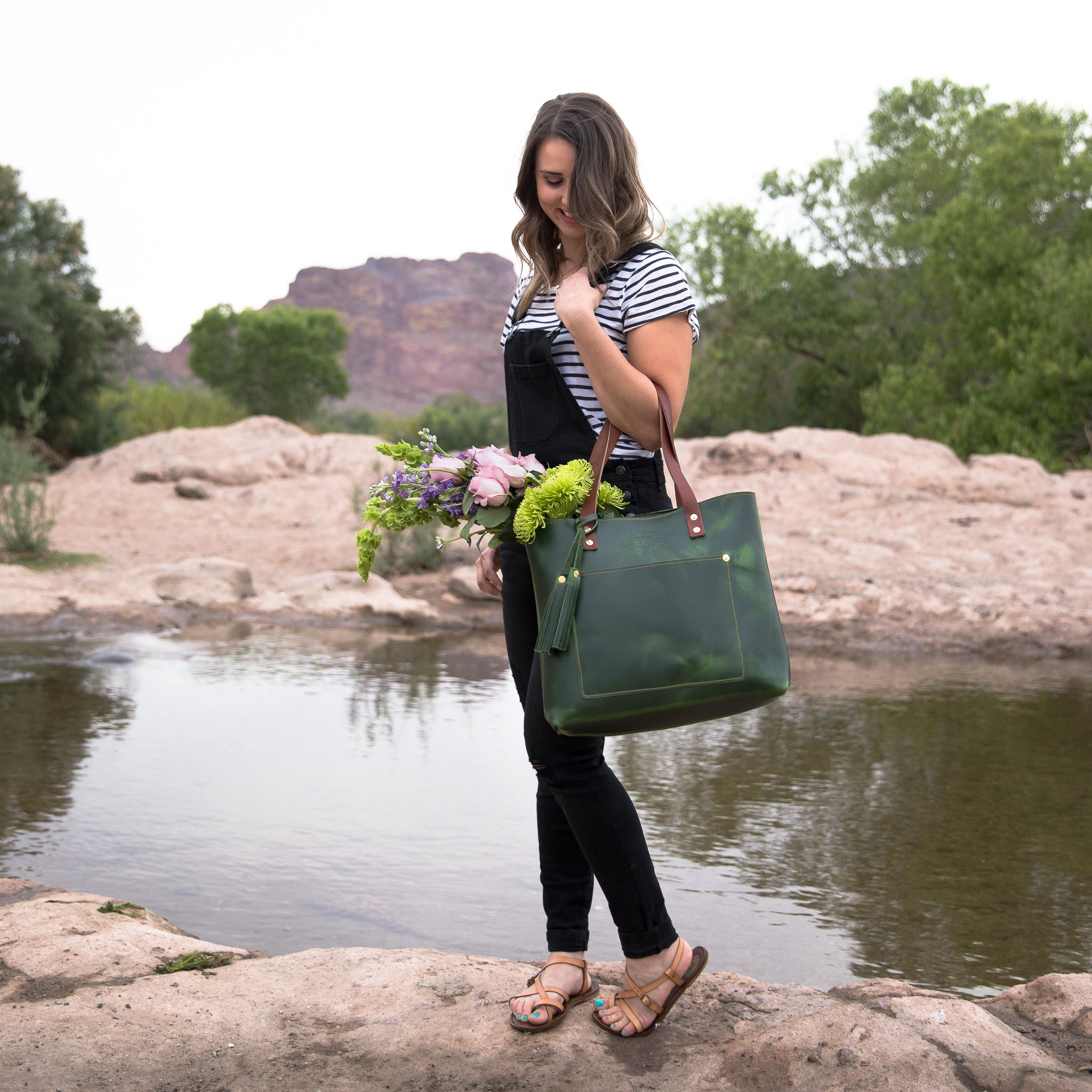 401dccc5c Our EMERALD GREEN tote bag was designed to be your everyday staple. Day or  night, travel or errands – Lifetime Leather Co.'s Tote bag embodies fashion  and ...