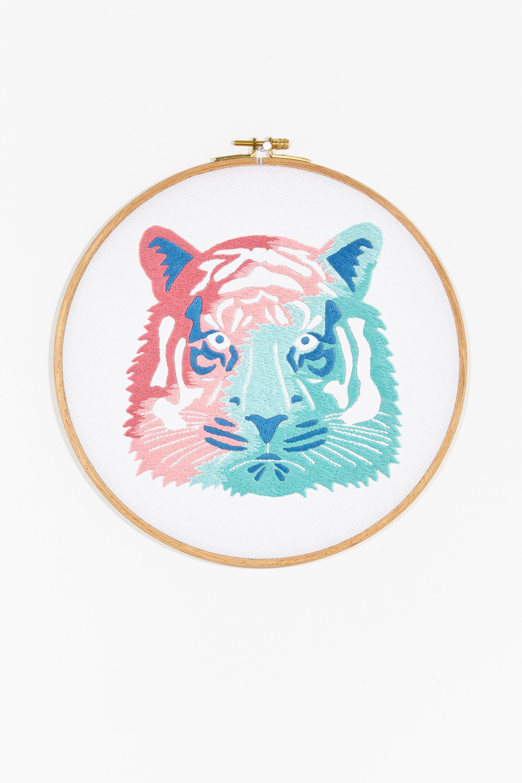 Thread honey tigre - diseño | FREE PATTERNS | Pinterest | Bordado