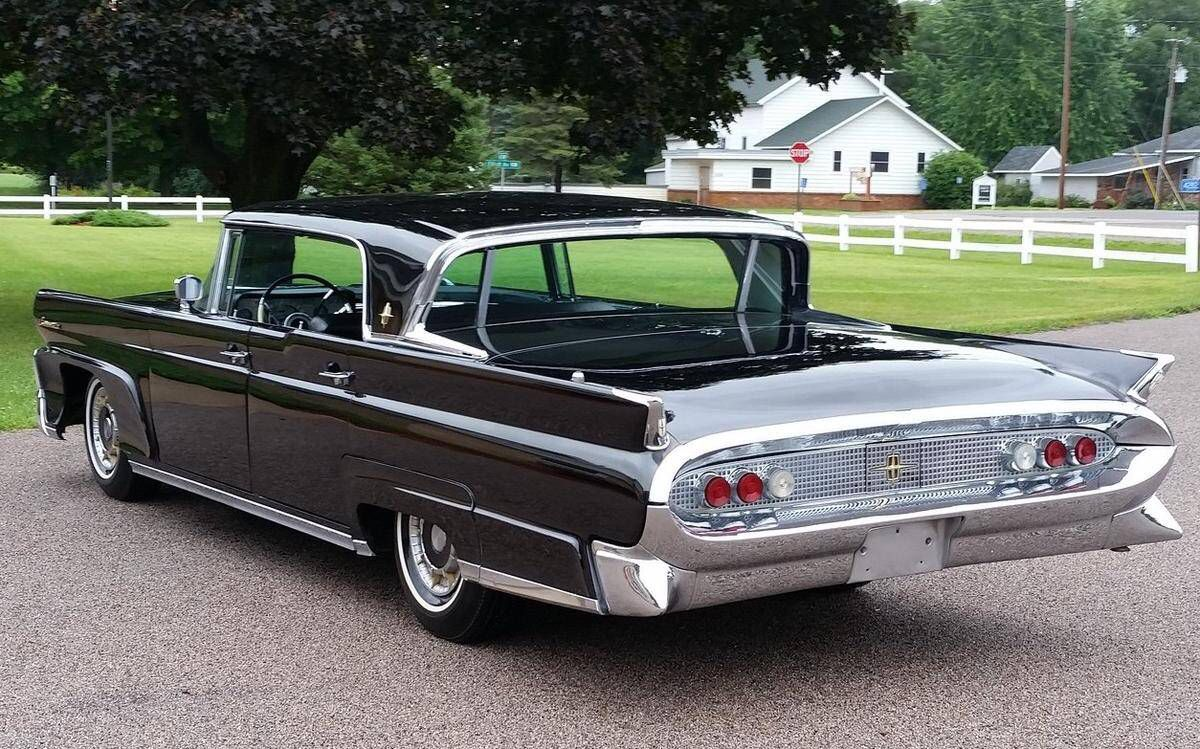 1958 Lincoln Continental 4 Door Hardtop With Images Lincoln