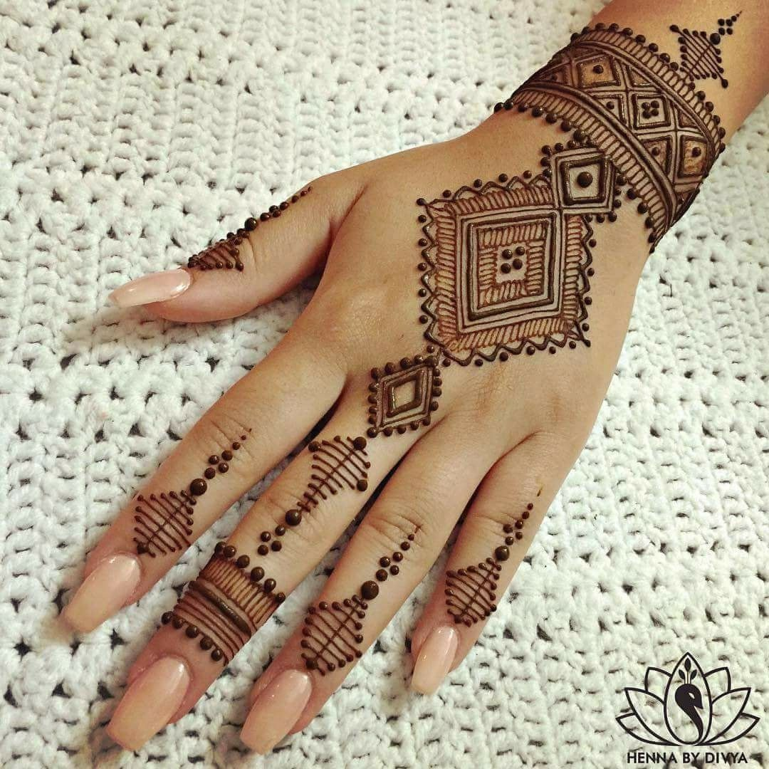Pin By Emily Morrison Griffin On Piping Mehndi Designs For Hands