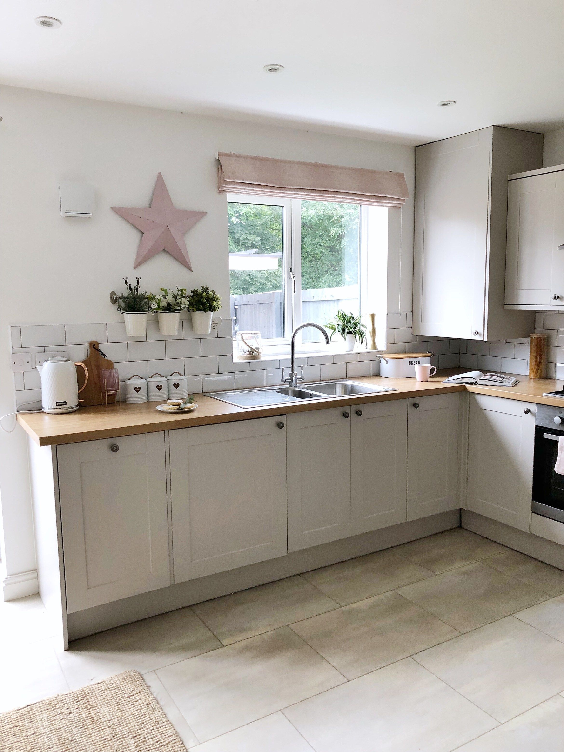 Modern Country Kitchen Update Read All About How I Accessoried My New Build Kitchen Kitchen Designs Layout Kitchen Design Small Traditional Kitchen Design