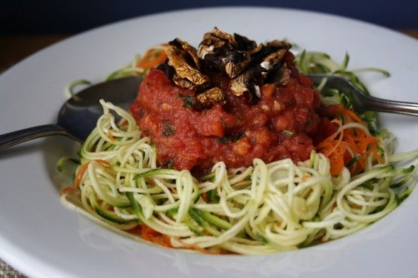 spaghettis de courgettes sauce aux tomates fra ches recipes tricks. Black Bedroom Furniture Sets. Home Design Ideas