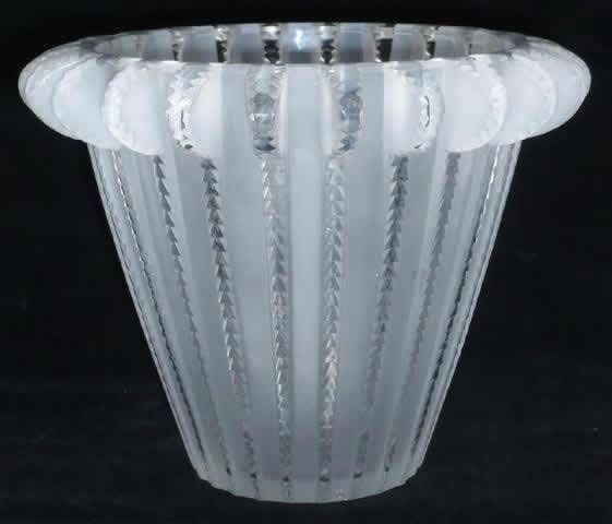 Lalique Vase Royat C1936 Lalique Pinterest Glass Art