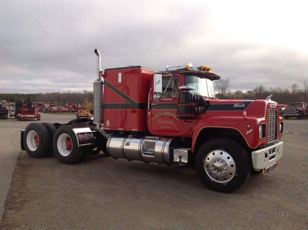 R Model Mack With Double Bunk Able Sleeper Big Rigs Pinterest