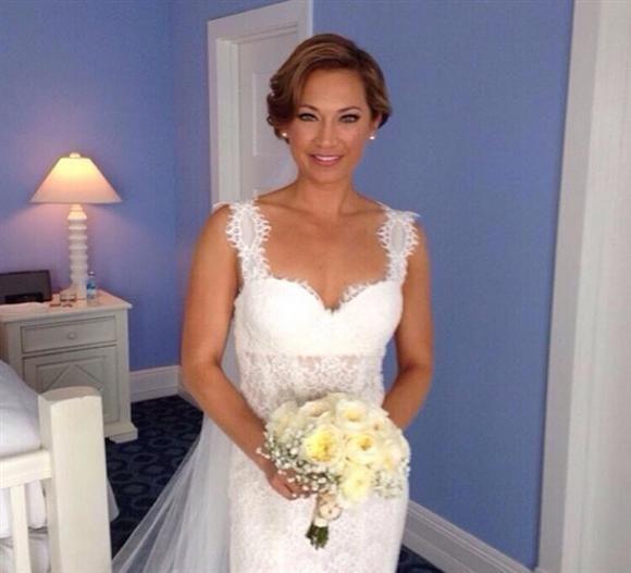 Ginger Zee Of Good Morning America Marries Nbc S Ben Aaron Gorgeous Wedding Dress Beautiful Wedding Dresses Dream Wedding Dresses