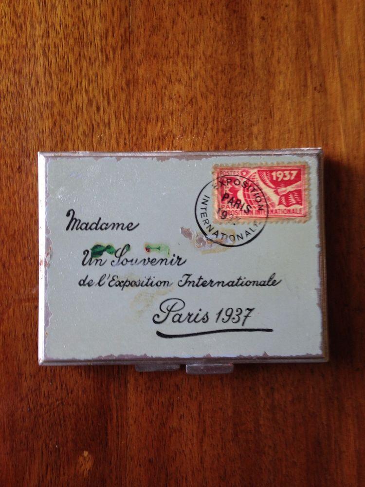 Rare 1937 Envelope Souvenir Compact - de L'Exposition Internationale Paris Deco