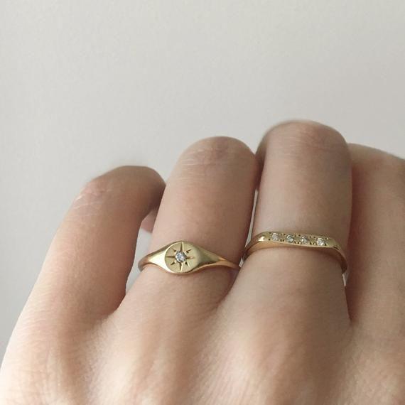 Diamond Star Circle 14kt Gold Signet Etsy Gold Bar Earrings Studs Gold Filled Ring Gold Diamond Wedding Band