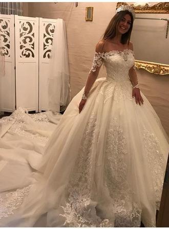 Duchesse-Linie Off-the-Schulter Königliche Schleppe Brautkleid mit Rüschen Applikationen Spitze #churchoutfitfall
