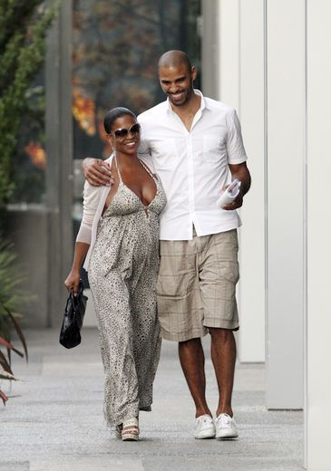 Baby Bump Watch: Nia Long Goes Nude For Ebony Cover