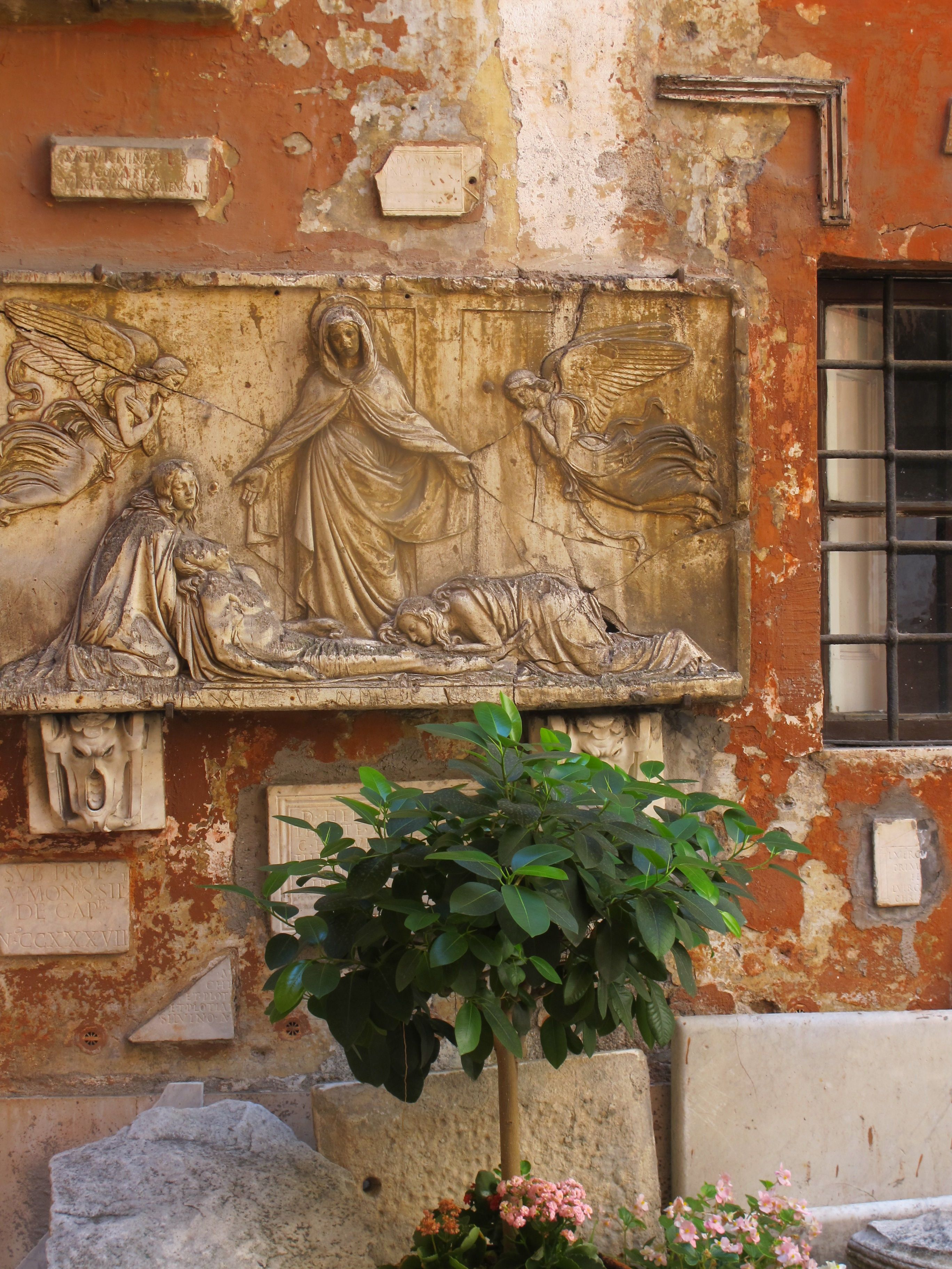 Courtyard of San Silvestro in Capite.