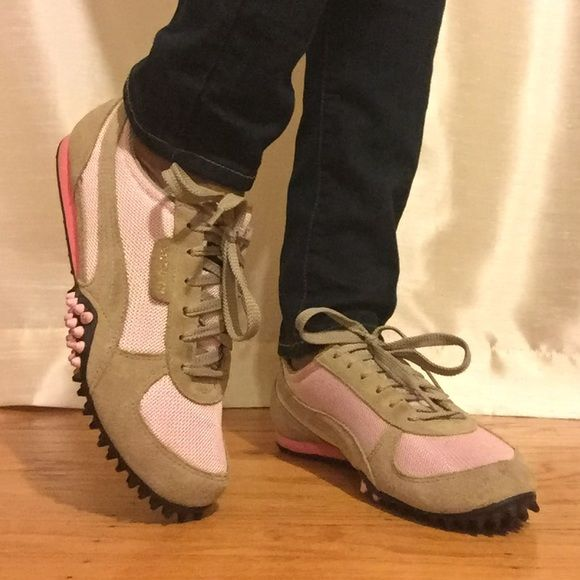 Beige and pink Puma sneakers These stylish and comfortable Puma sneakers are from my personal closet. I wore them less than 5 times. In excellent condition. Puma Shoes Sneakers