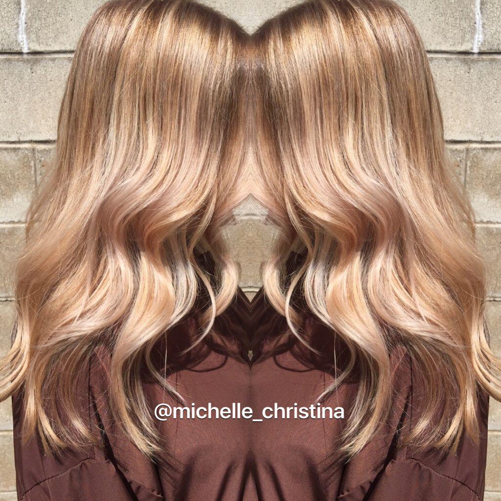 Balayage Base Break And Gloss Balayage Blonde Blondebalayage Hairpainting Pretty Hair Color Hair Beauty Pretty Hairstyles